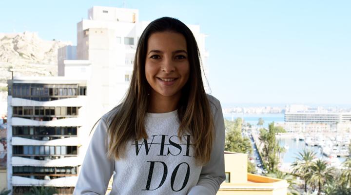 """Nuria Prieto, alumni IMEP y UMH: """"No hay mejor sensación que salir por la puerta de IMEP sonriendo porque ha merecido la pena"""""""