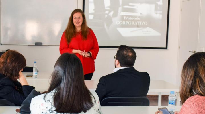 Masterclass sobre Protocolo Corporativo con Diana Rubio