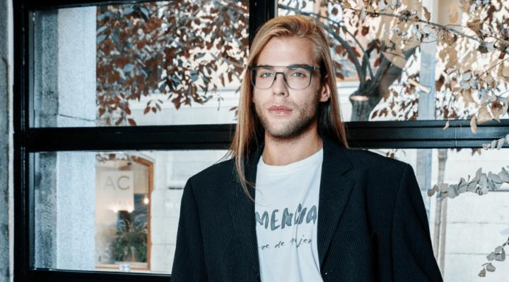 """Entrevista a Eduaro Navarrete, diseñador de moda: """"Dar vida a lo que tienes en mente es algo maravilloso"""""""
