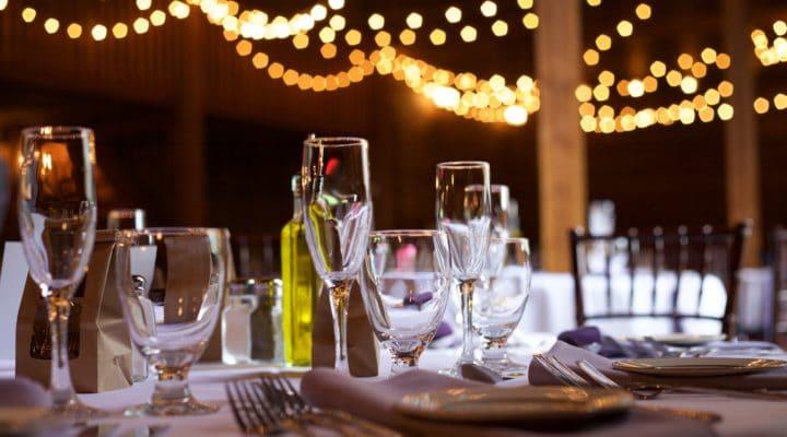 11 recomendaciones básicas de protocolo en la mesa