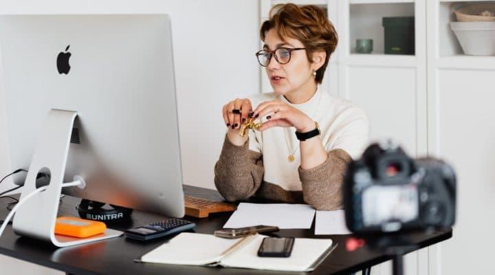 6 consejos de etiqueta para asistentes a eventos virtuales