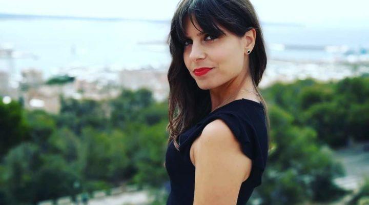 """""""Estoy muy satisfecha con la modalidad online, incluso puedes ver las clases en directo"""" – Patricia Gámez, alumna del Experto en Organización de Eventos, Protocolo y Comunicación"""